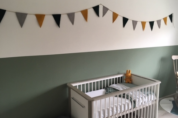 Babykamer Groen Blauw.Slinger Groen Grijs Okergeel